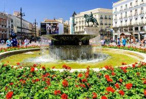 Puerta  Del Sol Meydanı