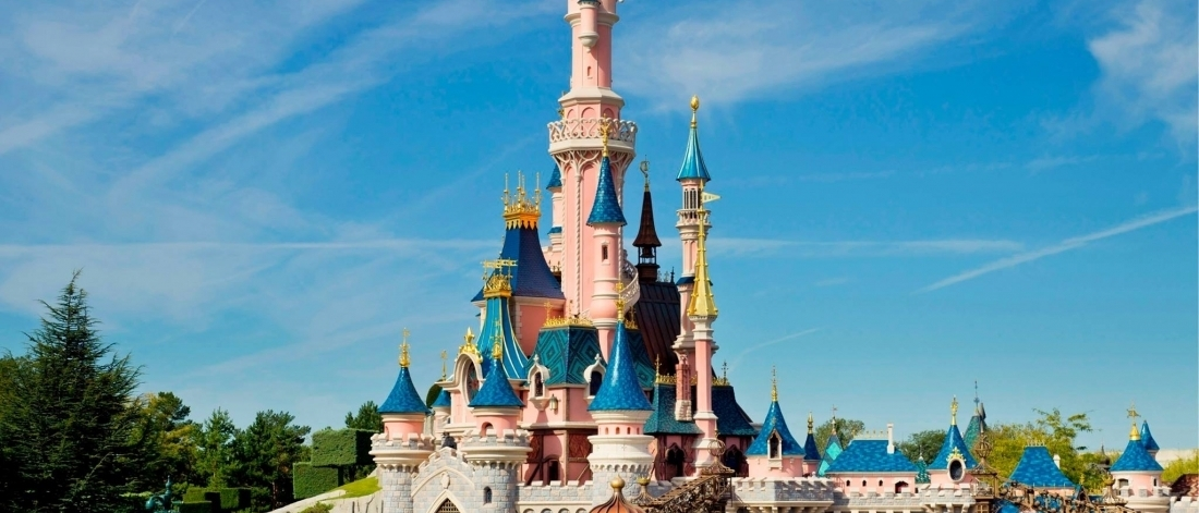 eurodisney trompenaars This essay going to regards the main issues in opening the euro disneyland and compare the french cultural with american cultural by using hofstede's cultural dimensions and trompenaars 's cultural dimensions.