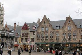 Burg Meydanı