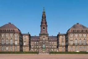 Christiansborg Sarayı