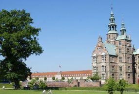 Rosenborg Kalesi ve Rosenborg Bahçeleri